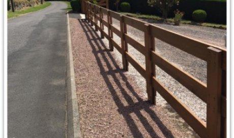 Fabrication et pose d'une clôture en chêne